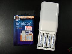 """充電器付きだと思ったら""""充電池付き""""らしい"""