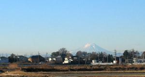 遠く富士を望む_051214