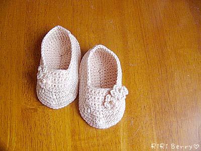 babyshoes01.jpg
