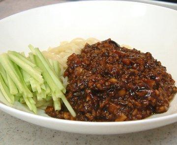 炸醤麺 : 肉味噌和えそば(ジャージャー麺) 簡単で美味しい和え麺をぜひご家庭でも