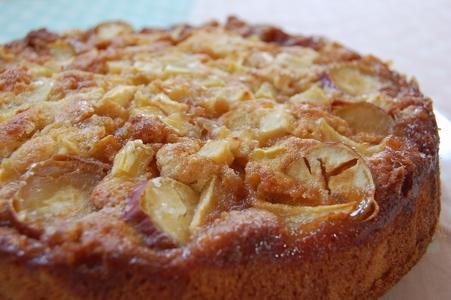 リンゴとさつまイモのケーキ