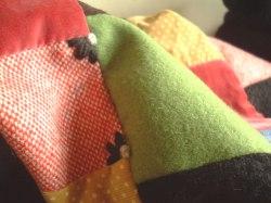 毛糸の刺繍いり♪