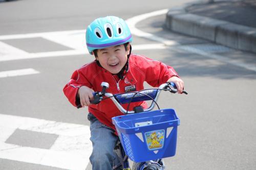 交通公園で自転車