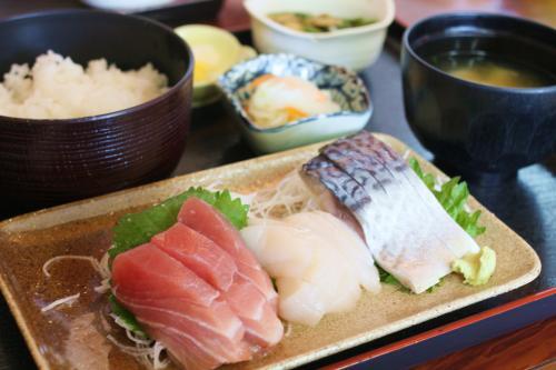 八戸市「和子(わこ)」の刺身定食