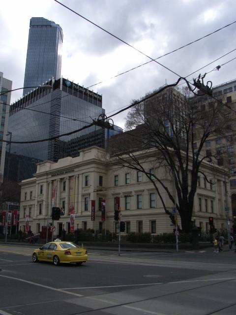メルボルンの移民博物館と展望台を望む空