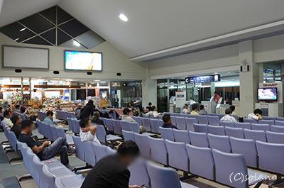 宮古空港搭乗待合口