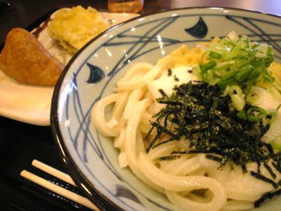 とろろ醤油うどん(並、冷)@讃岐 釜揚げうどん 丸亀製麺