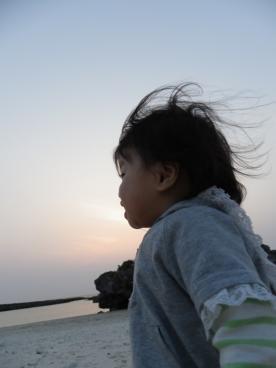 4.24 莉子と海1