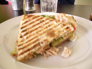 090914ドバイペパーミントカフェ、チキンサンドイッチ