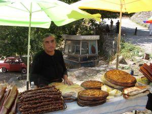 080919アルメニア・ゲバルト物売り