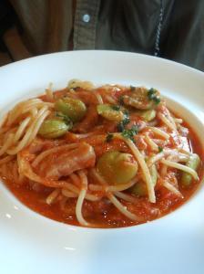 cucina ala vela(ランチ・パスタ:そら豆とベーコン・トマトのパスタ)