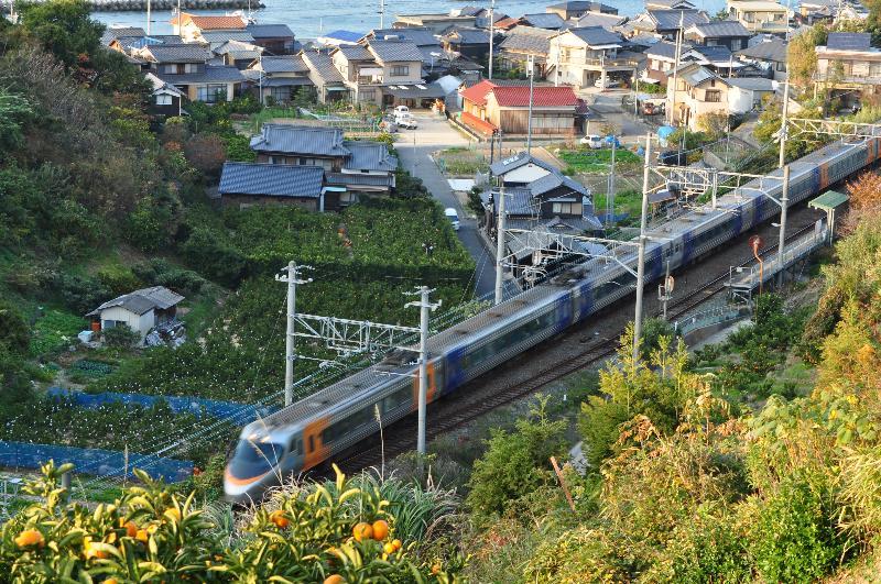 松山市 大浦駅 電車