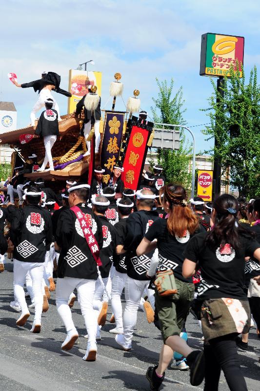 岸和田だんじり祭 北町交差点 藤井町だんじり