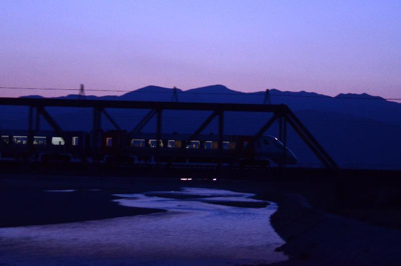 西条市石田 中山川鉄橋 夜汽車
