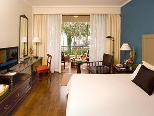 センタラ グランド ビーチ ホテル (Centara Grand Beach Hotel)
