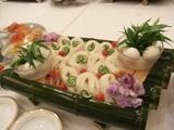 菊川素麺と長門深川の長州鶏の温泉卵と梅茗荷、安岡産ねぎ、生姜添え