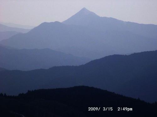 18 高見山のアップ