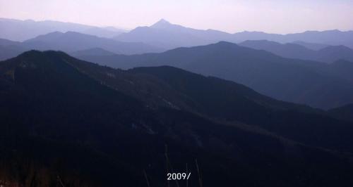 20 南西側、高見山方面の山並