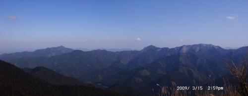 22 東南~南面、局ヶ岳から三峰への山並