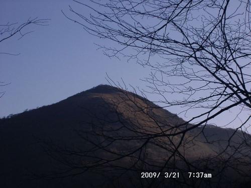01 <br />笹峠の先に西南尾根