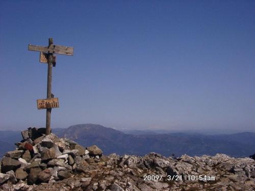 08 霊仙山から北方の眺め