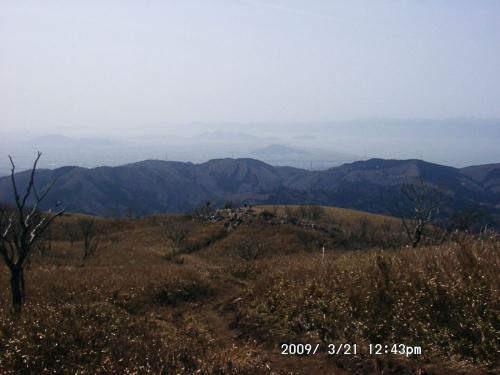20 下山路の先は琵琶湖