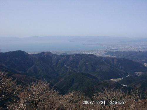 21 琵琶湖に浮かぶ竹生島