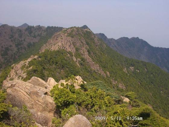 05 東赤石にて八巻山