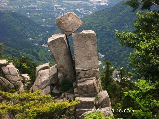 09 地蔵岩