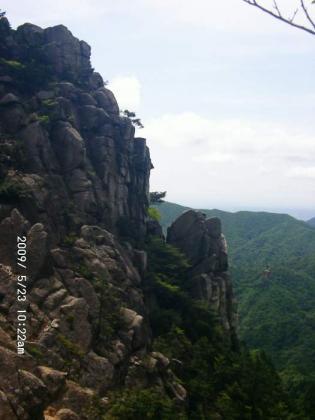 13 キレットの岩壁