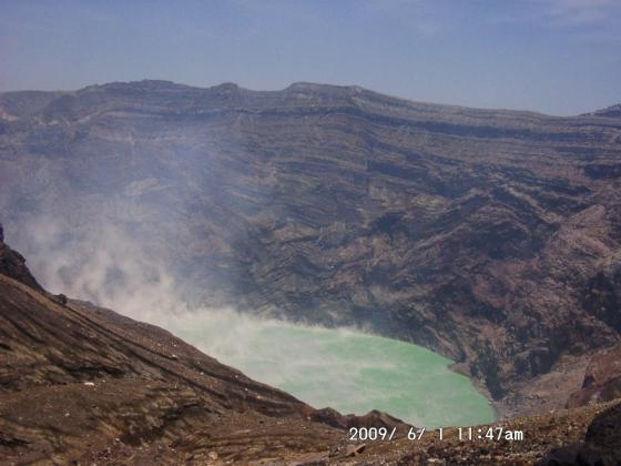 14 阿蘇の火口湖