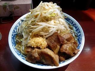 麺香房 暖々(大盛りラーメン)