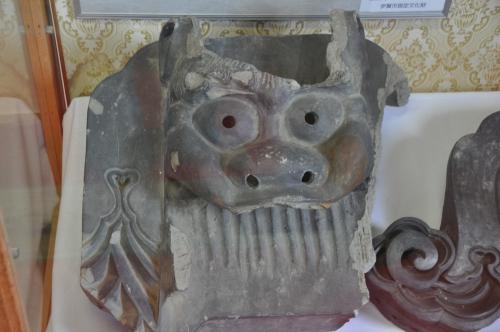 伊賀上野城で陳列されていた瓦