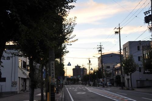 朝 東の空
