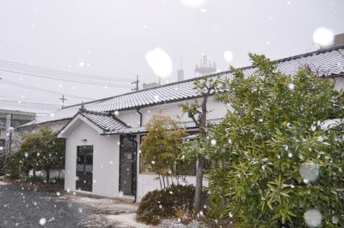雪降る教会