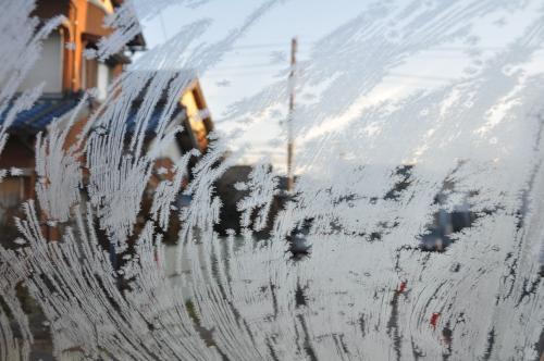 フロントガラスの霜