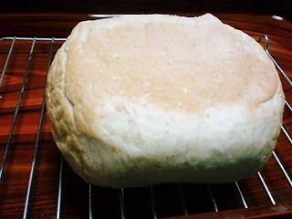 22.11.26シナモンレーズンロールパン①