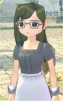 知的なメガネ美人。