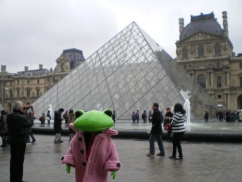 ルーブルピラミッド