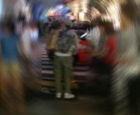 藤原ヒロシ画像 TETさんと2人で歩いてました