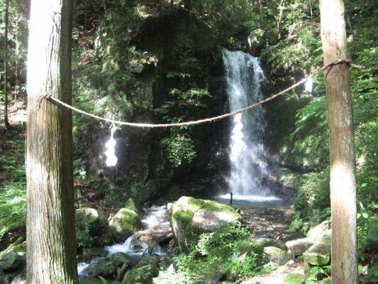 386027_265065466_120large滝とへいそく