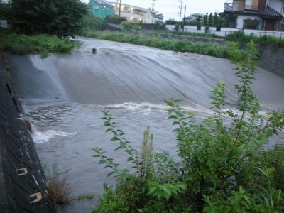 雨後の空堀川