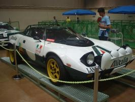 800px-Lancia_Stratos_Gr_4.jpg