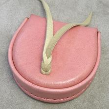 手染めピンクの小銭入れ