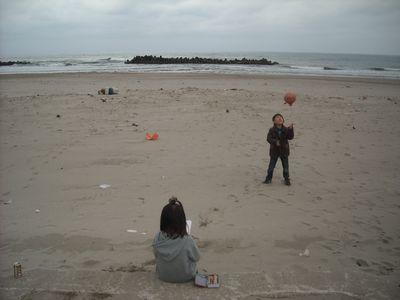 湯野浜の海岸にて