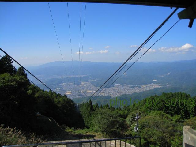 ロープウェイ比叡山頂駅より洛北の町。