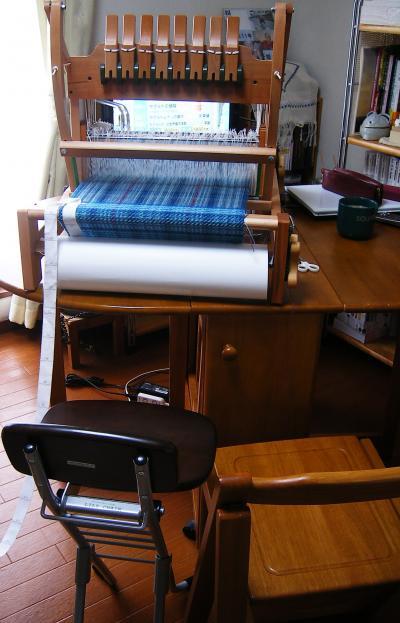 椅子の背比べ