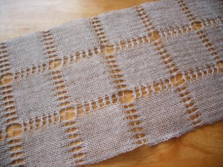 カレリアン・レースのサンプル織り
