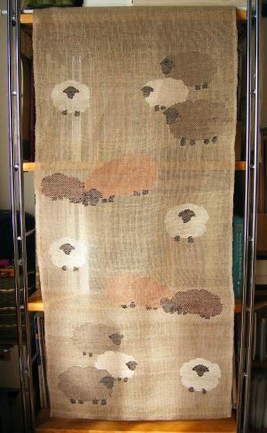透かし織り、自由作品「ひつじちゃんたち」