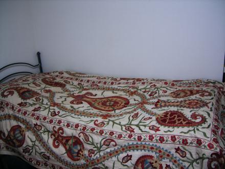 スザニのベッドカバー